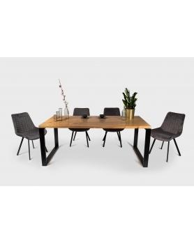 stół w loftowym stylu